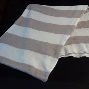 LARGE WHITE & BEIGE STRIPED CASHMERE SCARF